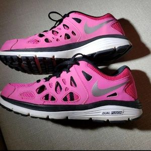 size 40 83dff 00426 Women s Bright Colored Nike Running Shoes on Poshmark